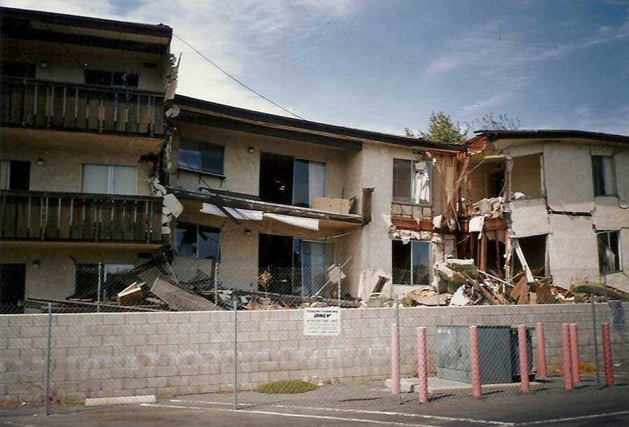 Northridge Meadows Apartment Buildings collapse in 1994