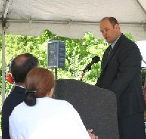 Greg Stephens, President of Air Midwest, apologizing to the Shepherds and the other victims' families on May 6, 2005